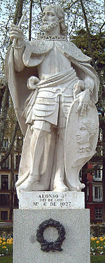 Estatua en Madrid (D. Martínez, 1750-53).