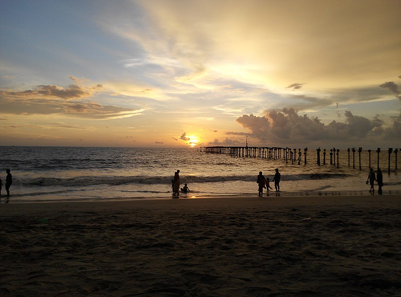 File:Alleppey beach sunset.jpg