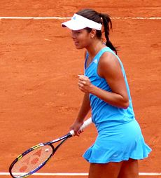 Ana Ivanović at the 2009 French Open 7.jpg