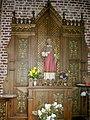 Anstaing chapelle, statue et retable.JPG