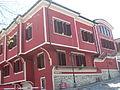 Arquitectura tradicional en Plovdiv, blanco y rosado, Bulgaria, 2011.JPG