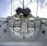 Assembling Structures in the Payload Bay - GPN-2000-001098.jpg