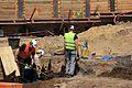 Ausgrabung auf der Baustelle Schloßstraße (60) (27378331775).jpg
