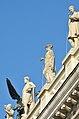 Austrian Parliament Building statues 04.jpg