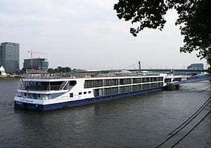 Avalon Visionary (ship, 2012) 002.jpg