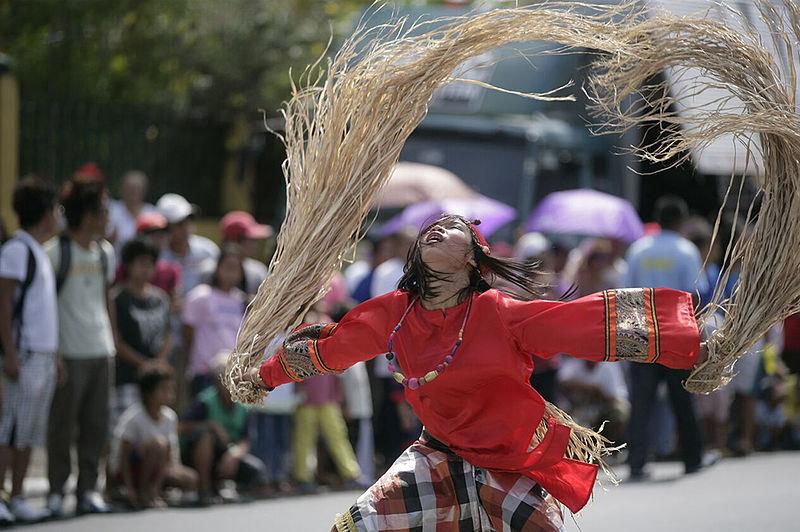 File:Babaylan Festival in Bago City.jpg