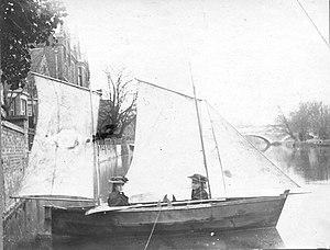 Bertha Phillpotts - Image: Bertha S Phillpotts in boat