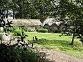 Bertreville (Seine-Mar.) hameau Le Beauclair, ferme à toits de chaume (01).jpg