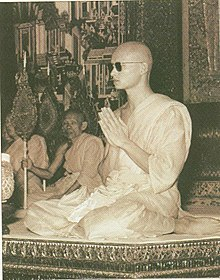 Bhumibol Adulyadej entered a 15-day monkhood (6).jpg