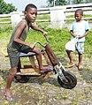 Bicyclette en bois à la roça Agostinho Neto (São Tomé) (3).jpg