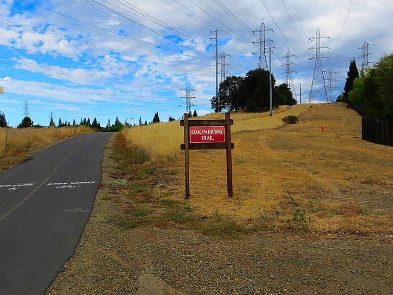 File:Bike trail, Willow Creek, Folsom - panoramio.jpg