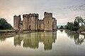 Bodiam-castle-10My8-1219.jpg