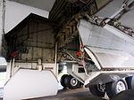 Boeing 747 Main landing gear pic2.JPG