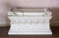 Bordsprydnad i form av romersk marmorsarkofag - Skoklosters slott - 95157.tif