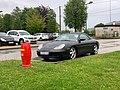 Borne à incendie et Porsche 911 modèle IV sur le parking du boulodrome de Belley.jpg