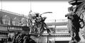Bronzeadler von August Gaul für das Berliner Kaiser-Wilhelm-Nationaldenkmal von Reinhold Begas (vor dem Berliner Stadtschloss).png
