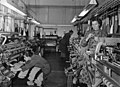 Bundesarchiv B 145 Bild-F003086-0004, Traunreuth, Strickwarenbetrieb.jpg