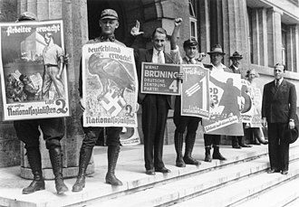 July 1932 German federal election - Campaigning in front of a polling place in Berlin