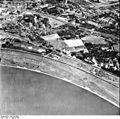 Bundesarchiv Bild 195-0889, Rheinbefliegung, Düsseldorf-Heerdt.jpg