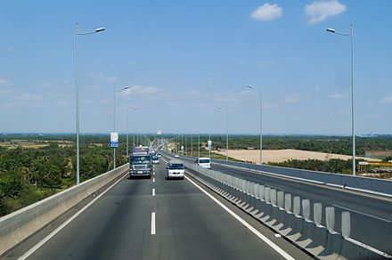 HCMC-LT-DG section of the North-South Expressway. Cau Long Thanh, Duong cao toc TP.HCM - Long Thanh - Dau Giay.JPG