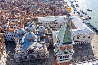 Campanile of St Mark's Basilica Aug 2020 6.jpg