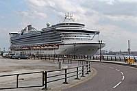 Caribbean Princess and Princes Parade, Liverpool (geograph 2978483).jpg