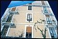 Carouge. Dettaglio della facciata affrescata di un palazzo.jpg