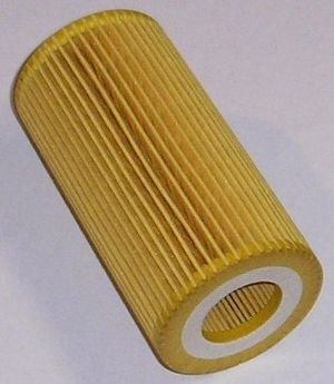 Oil filter - Replacement oil filter element for a Volvo S40