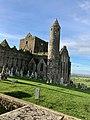 Cashel Cathedral, Rock of Cashel, Caiseal, Éire (44773472970).jpg