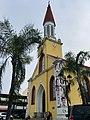 Cathédrale Papeete vue côté.jpg