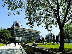 Cergy Grand Centre Parc François Mitterrand©L Pages.jpg