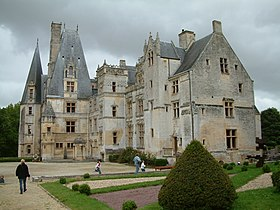 Chateau de Fontaine-Henry.jpg