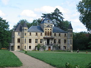 Varennes-Vauzelles - The Chateau of Four du Vaux