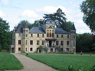 Varennes-Vauzelles - The Chateau of Four du Vaux