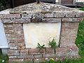 Cigoli, santuario della madonna madre dei bambini, croce caduti 02.JPG
