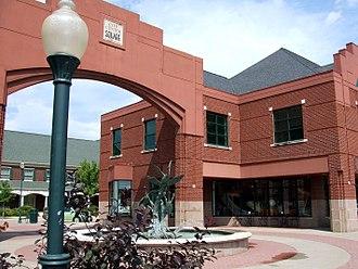 Coralville, Iowa - Image: City Center Square