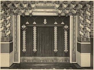 Capitol Theatre, Melbourne - Original curtain and stage area decoration