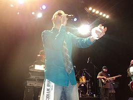 Collie Buddz tritt im Januar 2012 im Nachtclub Sound Academy in Toronto auf.
