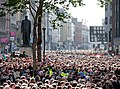 Crowd at College Green waits for Barack Obama.jpg