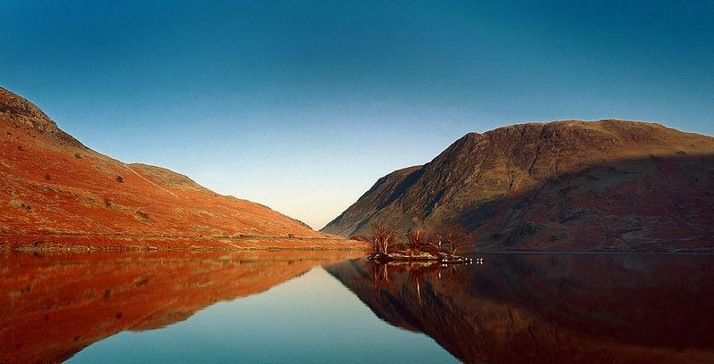 File:Crummock Lake, English Lakes, UK - panoramio.jpg