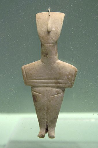 Female marble figurine from Crete, Koumasa variety (EC II, 2800-2200 BCE; Archaeological Museum of Chania) Cycladic figurine, female, marble, Crete, 2800-2200 BC, AM Chania, 076188.jpg