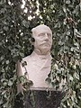 Détail buste Jean Revel - square Verdrel.jpg