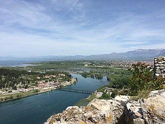 Shkodër County - Image: Dalja e lumit te Bunes nga liqeni i Shkodres
