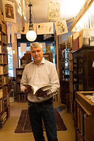Galerie Buchholz - Daniel Buchholz in the Antiquarian Bookshop Buchholz