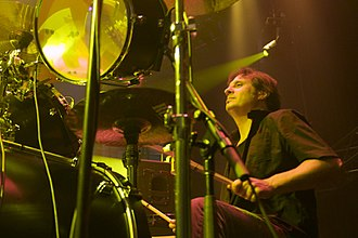 Slayer - Original Slayer drummer Dave Lombardo rejoined the band in 2001 after a nine-year hiatus, and performed on the albums Christ Illusion (2006) and World Painted Blood (2009) before departing once again in 2013.