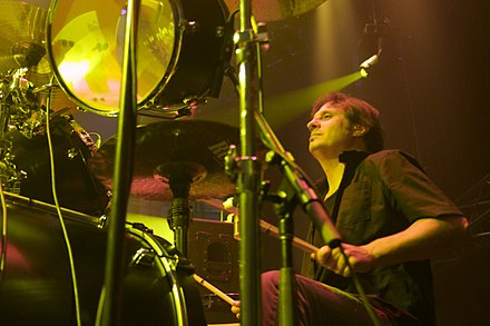 Original Slayer drummer Dave Lombardo rejoined the band in 2001 after a nine-year hiatus, and performed on the albums Christ Illusion (2006) and World Painted Blood (2009) before departing once again in 2013. Dave Lombardo 2009-06-23 8204.jpg