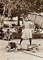 Dayal, Raja Lala Deen - Löwenbändigerin, Chateri Zirkus (Zeno Fotografie).jpg