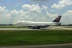 Delta N761US Boeing 747-400 (9504471125).jpg