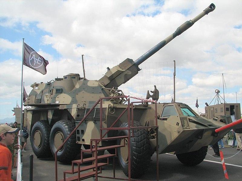 الجيش العربي الموحد 800px-Denel_G6-45_Ysterplaat_Airshow_2006
