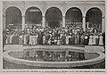 Der National-Deutsch-Amerikanische Lehrerbund in der Städte-Ausstellung in Düsseldorf am 15. Juli 1912 (Ehrenhof des Kunstpalastes).jpg